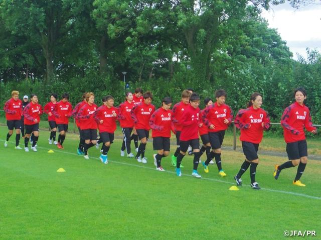 なでしこジャパン、オランダでトレーニングを開始