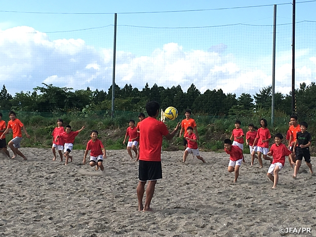 JFAビーチサッカー巡回クリニックを青森県五戸町にて開催