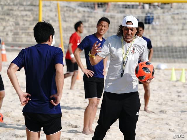 ビーチサッカー日本代表候補、ラモス瑠偉監督とともに沖縄で再始動