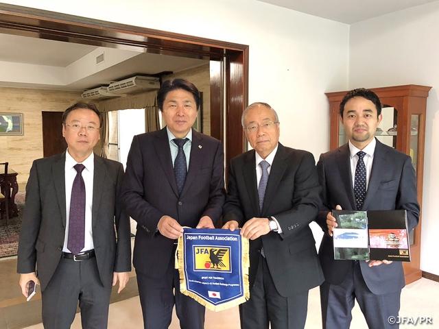 スポーツ・フォー・トゥモロー(SFT)プログラム 南米・日本 U-21サッカー交流 活動レポート:大使館訪問及びガールズフェスティバル講義