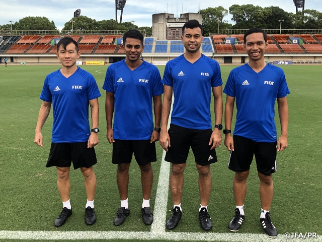 Referees in charge of the title match holds training at the match