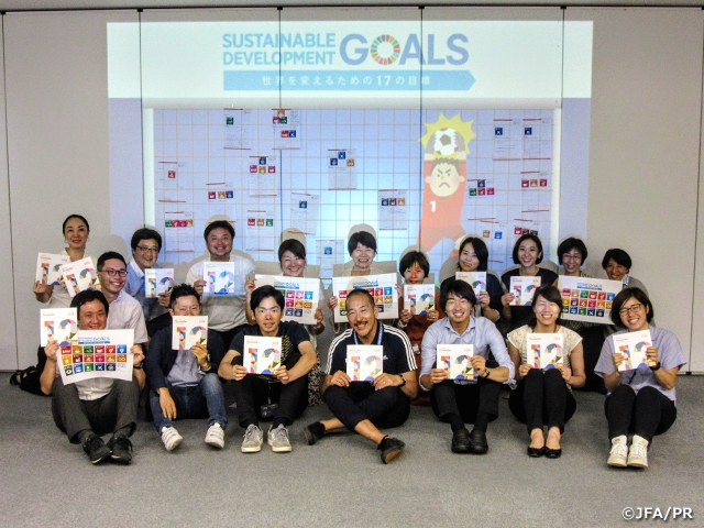 "CSR Relay Column Vol.2 ""Football and SDGs: Creating a future where no one gets left behind"" - Committee for Social Responsibility Member KURODA Kaori"